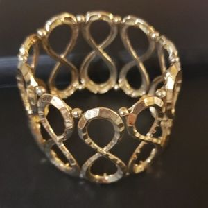 Women's bracelet in good condition.